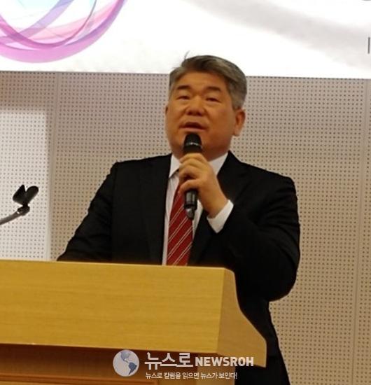 0410 개성공업지구지원재단 김진향 이사장 - Copy.jpg