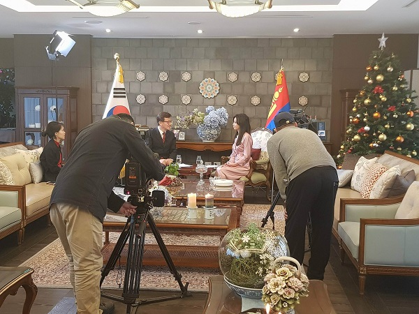 한인동정-오송 대사, MNB-TV와 설날 특집 인터뷰 실시.jpg