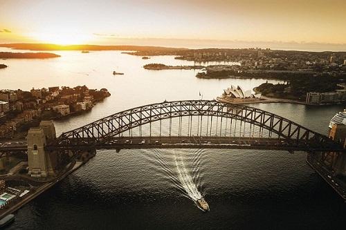 3 Sydney Harbour Bridge.jpg