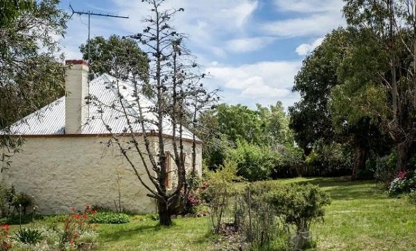 5 Scarecrow Cottage 1.jpg