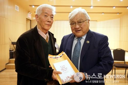 2015년2월3일 마이크 혼다74의원과 백영현72'일전퇴모공동대표의 만남.jpg