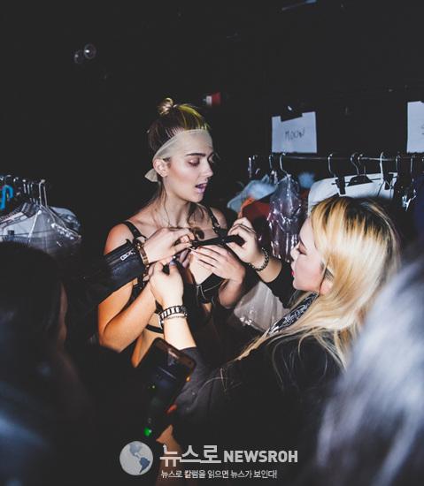 CHAEnewyork-backstage4.jpg