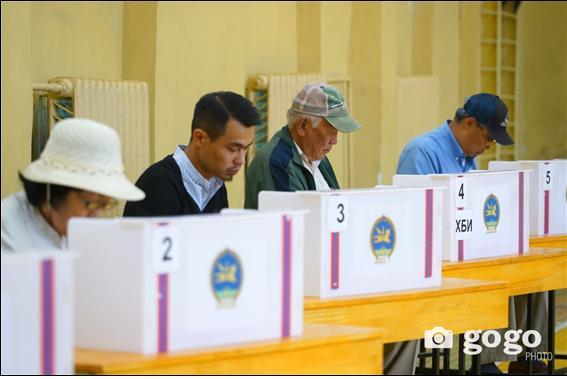 보궐선거에 유권자 50% 이상 참여.jpg