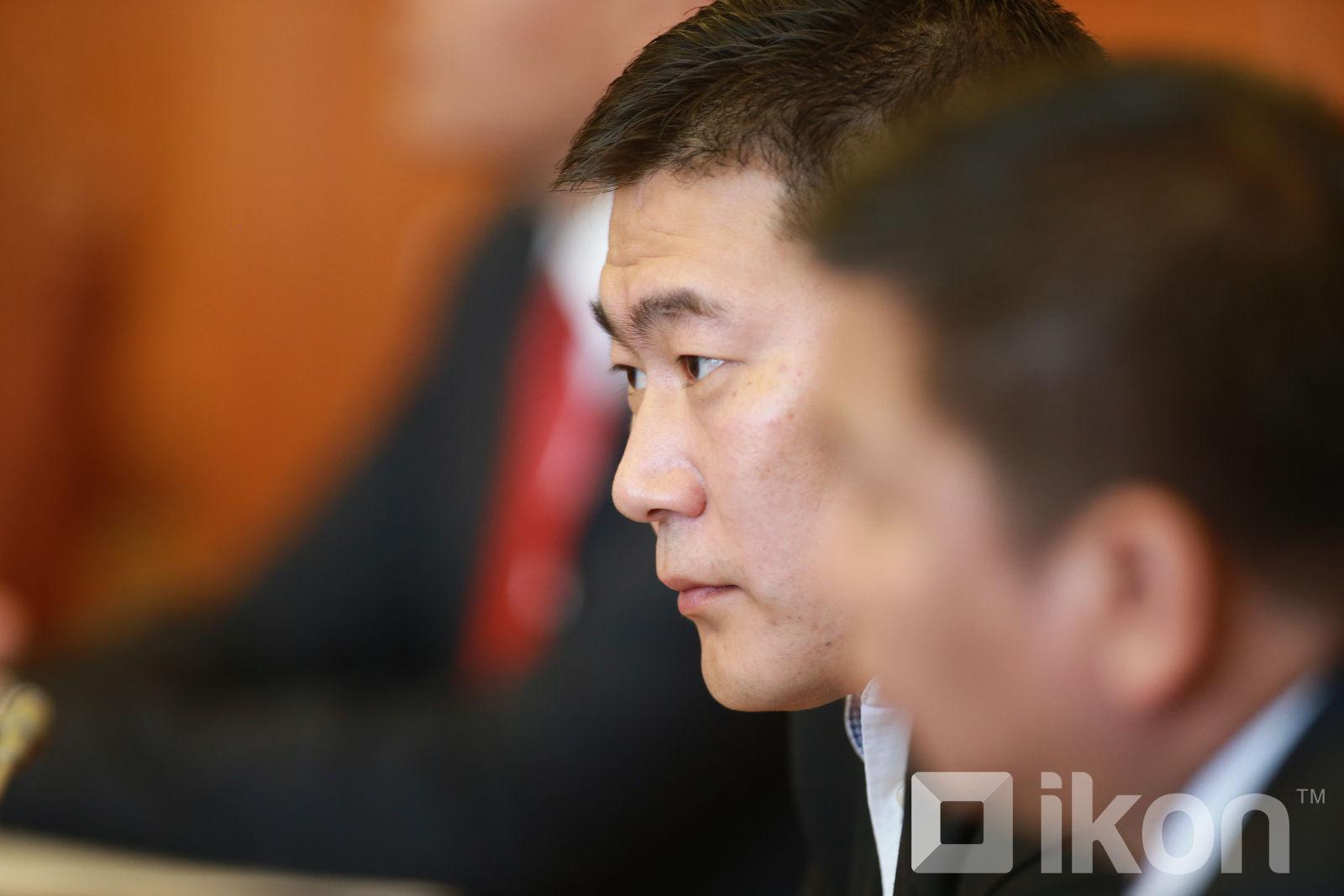 내각관방부 장관 몽골개발은행 이사회와 면담.jpg