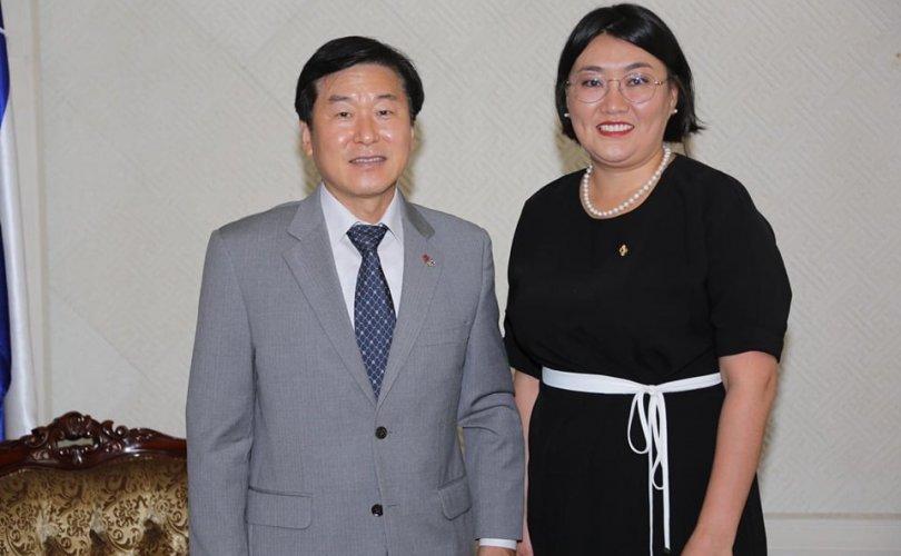 한국, 몽골 양측은 노동 문제에 상호 관심을 기울일 것.jpg
