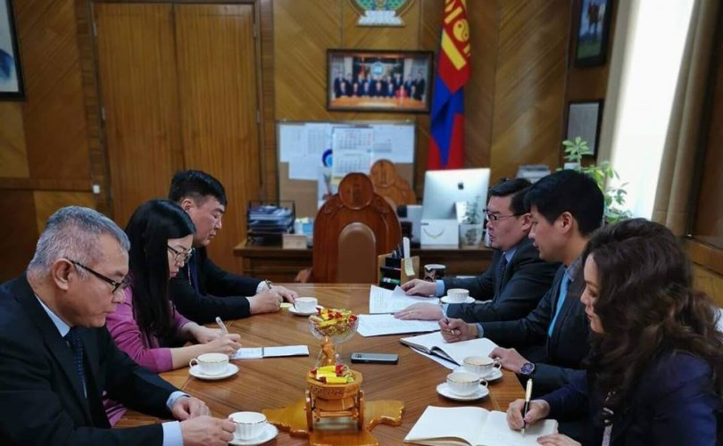 2019년은 몽골과 중국 외교관계 수립 70주년이 되는 해.jpg