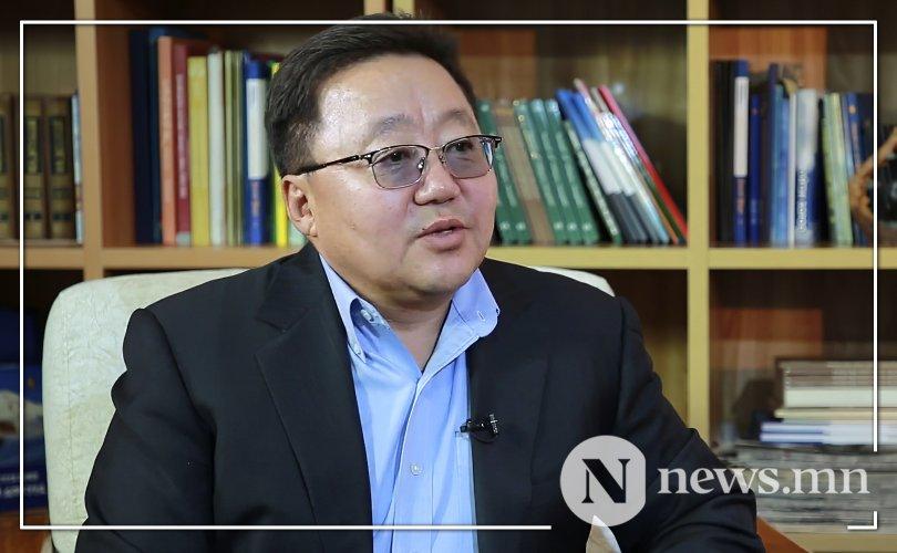 Ts.Elbegdorj, 몽골어와 대본 없이는 몽골인이 될 수 없어.jpg