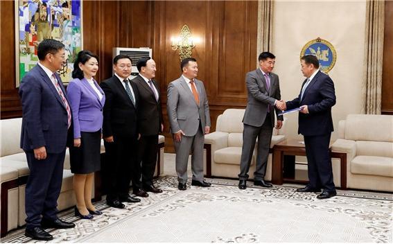 국회 본회의 불참하면 국회의원 권한 취소하는 법안 상정.jpg