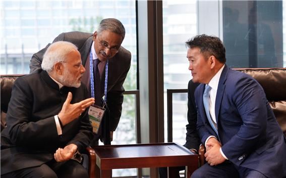 바트톨가 대통령, 인도 총리 면담.jpg