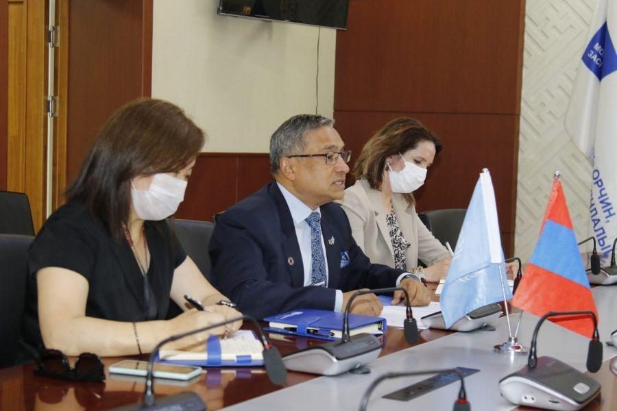 자연환경관광부 장관 D.Sarangerel, 유엔 상주 대표 Tapan Mishra와 의견 교환.jpeg