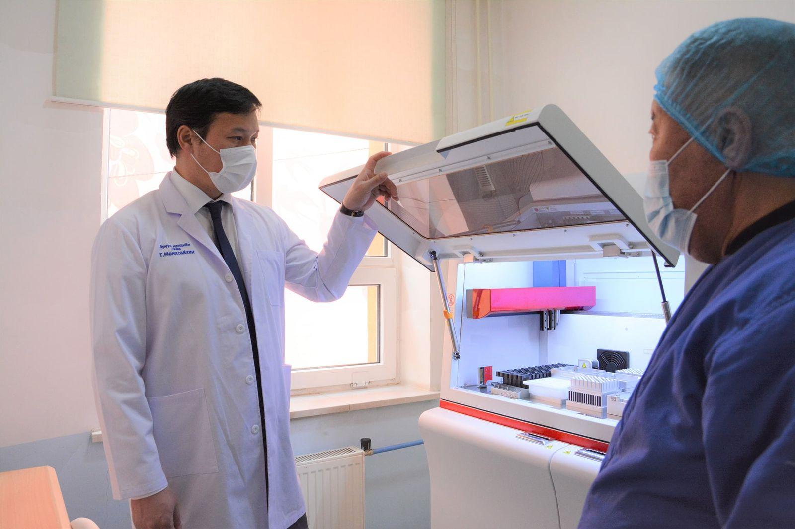 칭겔테이구에 하루 300~1,200명 규모의 PCR 분석 연구소를 설치하여.jpg