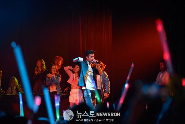 실제 아이돌 콘서트 공연장을 방불케 한 중남미 K-팝 경연대회.jpg