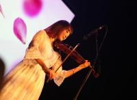'노래하는 전자 바이올리니스트' 해나 리의 결식아동 돕기 나눔 콘서트