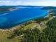흡스굴 호수 주변에는 98개의 관광 캠프가 있어