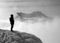 지성수 칼럼- 외로움과 고독의 차이