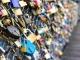 '파리의 연인들 징표' 사랑의 자물쇠 경매