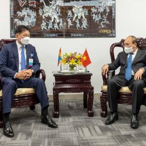 몽골 U.Khurelsukh 대통령은 베트남 총리와 만나