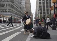 뉴욕의 '삼보일배 시위' 그 후