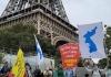 에펠탑에서 '전쟁연습 반대 평화협정촉구'